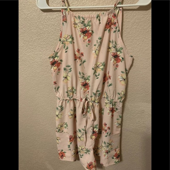 Other - Pink romper with flowers